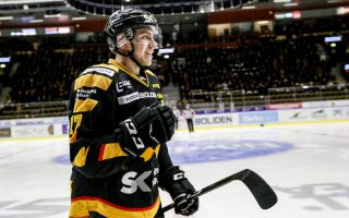 Toronto Maple Leafs to sign Pär Lindholm per report