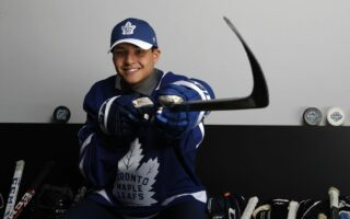 Maple Leafs Sign Nicholas Robertson